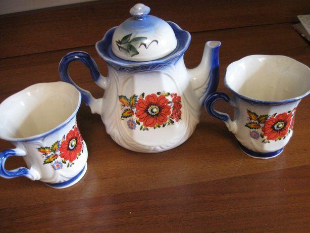 2 чашки и чайник, чайный сервис