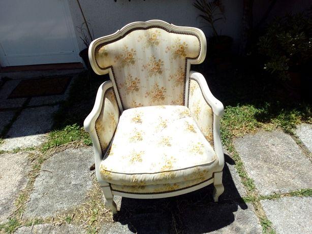 Cadeira Classica Antiga