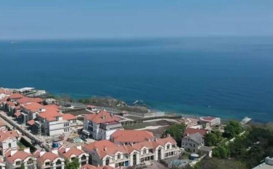 Срочная продажа! Двухкомнатная квартира с видом моря. J