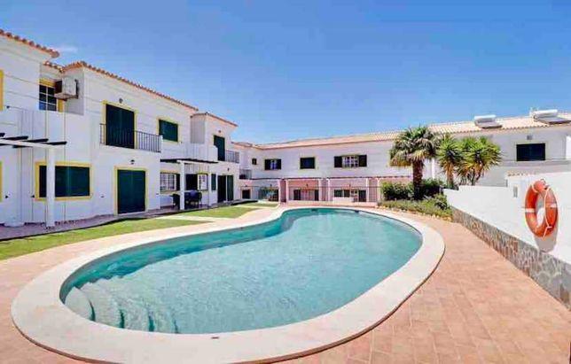 Fabuloso apartamento T2 duplex (semelhante a moradia geminada)