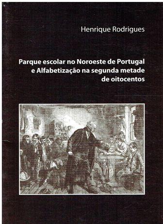 11767  Parque escolar no Nordeste de Portugal e Alfabetização