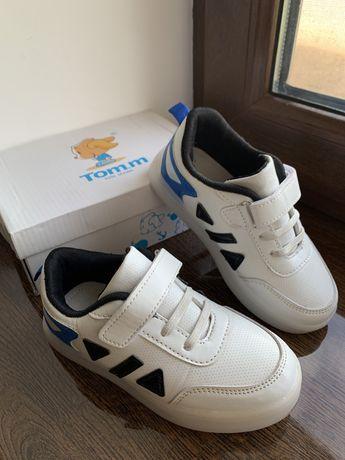 Идеальные кроссовки Tom.m