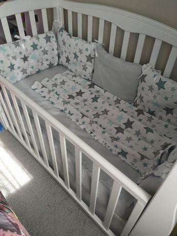 Новый очень красивый набор постельного белья в детскую кроватку