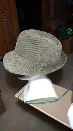 Nowy kapelusz meski