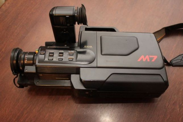 Продам видеокамеру VHS Panasonic NV-M7EN
