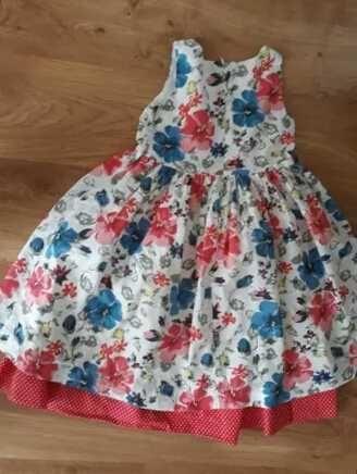 Sukienka z kolekcji Radosna chwila firmy Wójcik