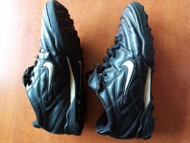 Turfy Nike rozmiar 36.