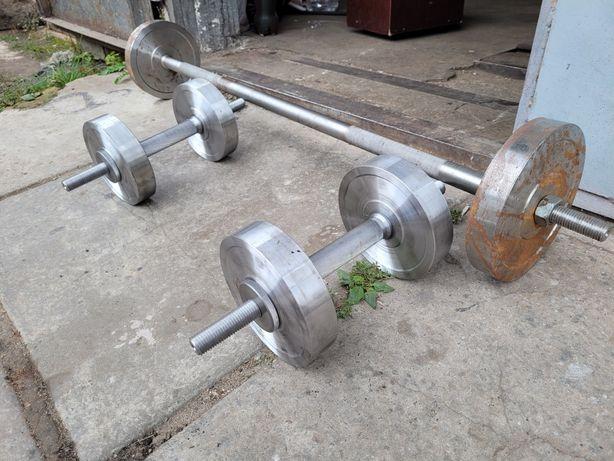Штанга 20 кг. И гантели по 16 кг  атлетика спорт фитнес