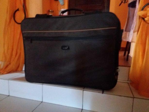 Mochilas e malas de viagem