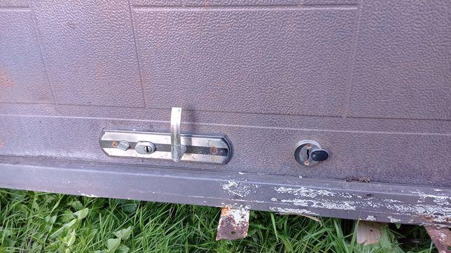 Двері металеві вхідні