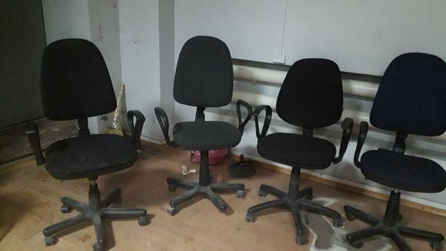 Компьюторные кресла,б/у,.требующие ремонта или на запчасти,.дешево