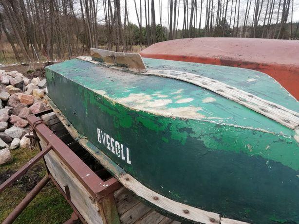 Łódka wędkarska plaskodenna z zywicy