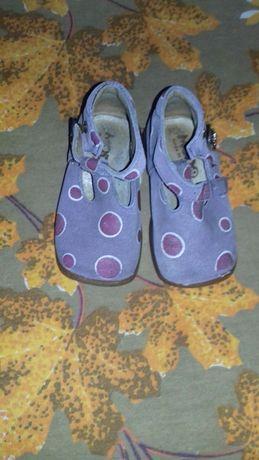 Обувь для девочки  21-23 размер