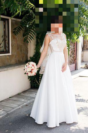 Шикарное свадебное платье с карманами