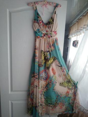 Нарядное летнее платье-сарафан