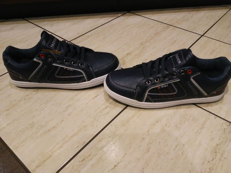 Nowe buty męskie r.44 Czempiń - image 1
