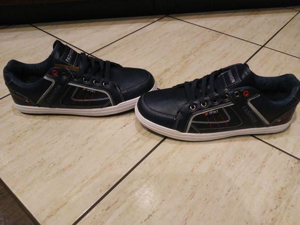 Nowe buty męskie r.44