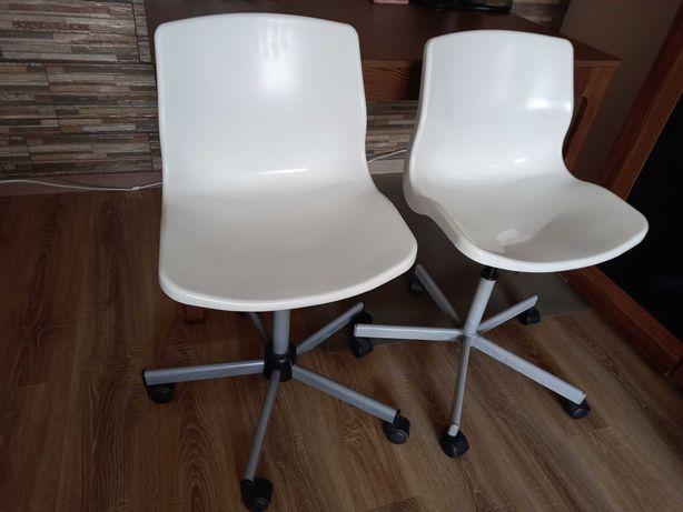Cadeiras giratórias ikea. 20€ cada.