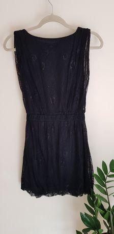 Czarna koronkowa sukienka - MOHITO