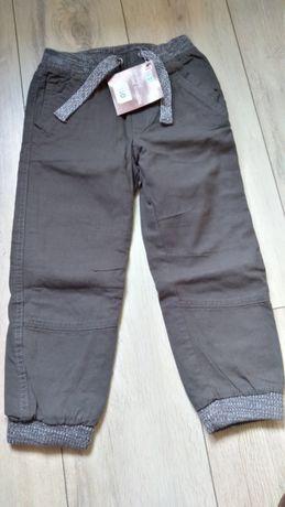 Spodnie 110 NOWE