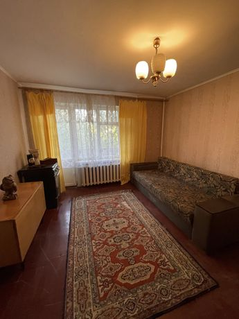 Продам 1-комн квартиру на Тополе -2