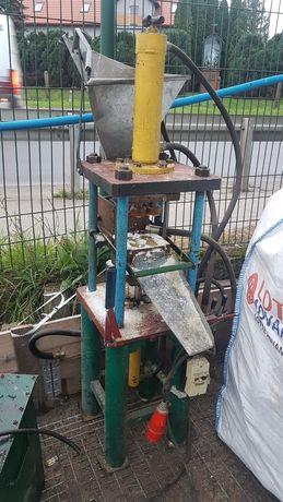 Prasa, maszyna do wkładów , zniczy 3 kw