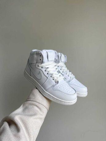 Кроссовки на меху Nike Air Jordan White / Женские кроссовки