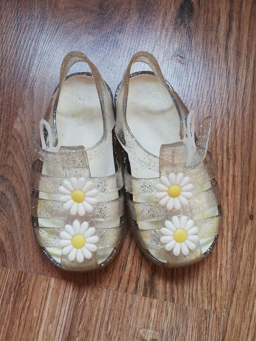 Sandałki hm 23