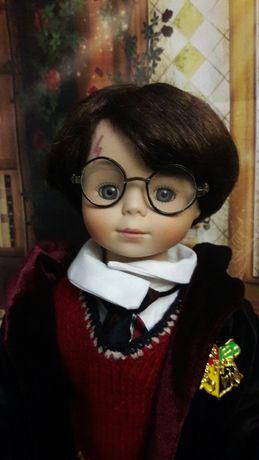 Кукла фарфоровая коллекционная Гарри Поттер.