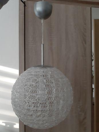 Żyrandol w kształcie kuli