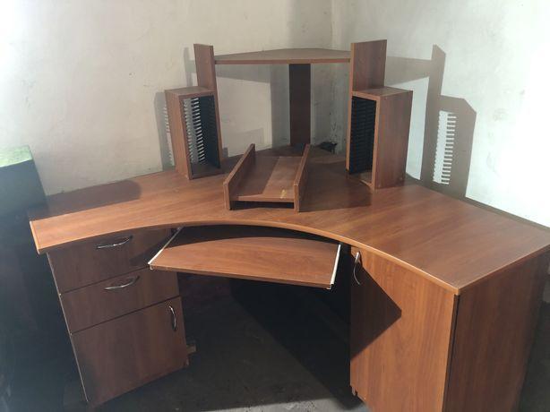 Продається компютерний стіл