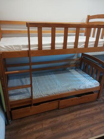 Sprzedam łóżko piętrowe wraz z dwoma dokupionymi materacami