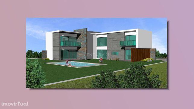 Terreno com 2055m2 na Urbanização SOLTRÓIA, em Troia, já com projecto