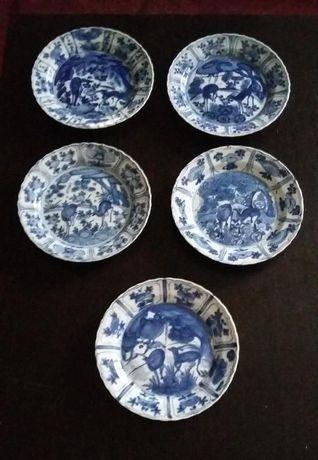 Colecção de Pratos de Porcelana Época Ming (Círculo de Leitores)