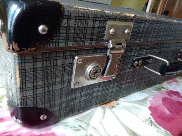 walizka z lat 50- tych