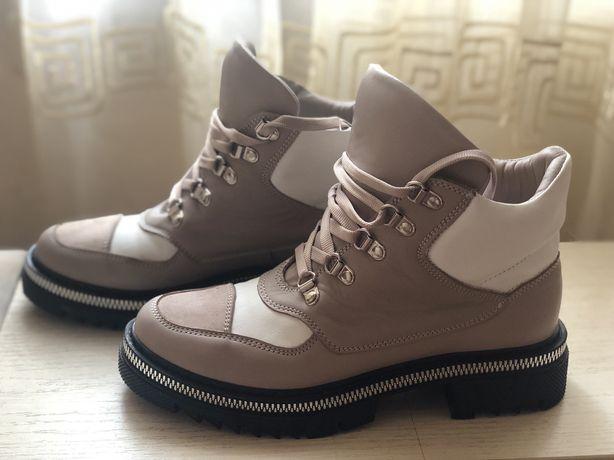 Продам демисизонные ботинки