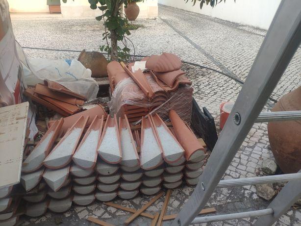 60 Telhas CS Coelho Silva e 2 cantos cheios com cimento.