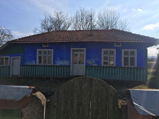 Продам хату в селі.Хлібичин Cнятинського району Івано-Франківської обл