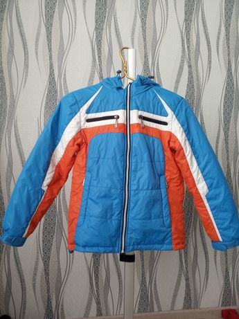 Куртка весенняя 38 размер