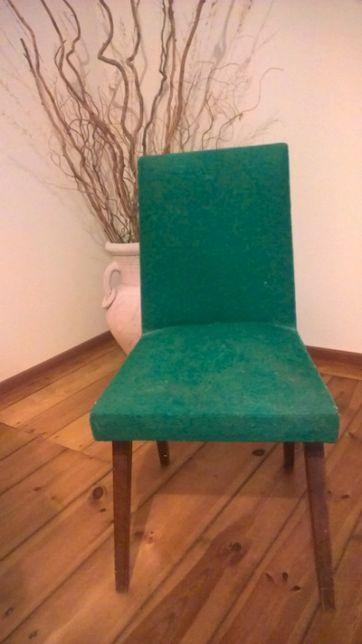 Krzesła z czasu PRL