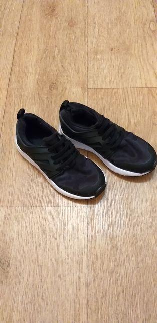 Продам обалденные кроссовки Primark