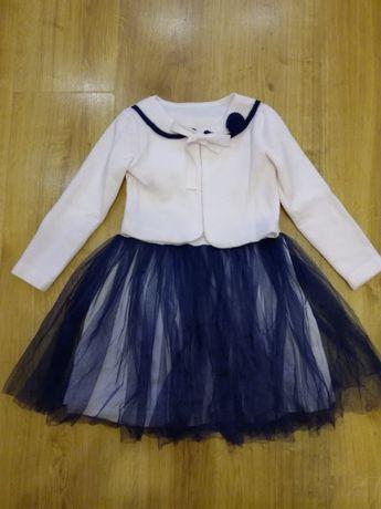 Нарядное платье для девочки как новое, 110 р.