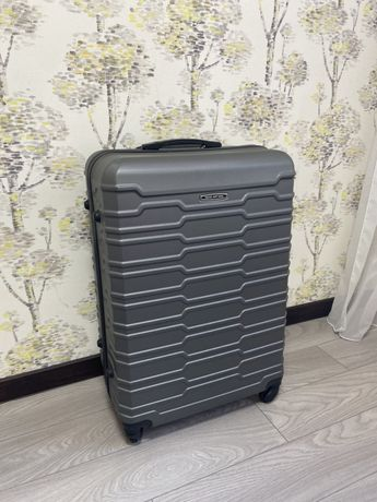 Большой чемодан для поездок в поезде, автомобиле или самолете