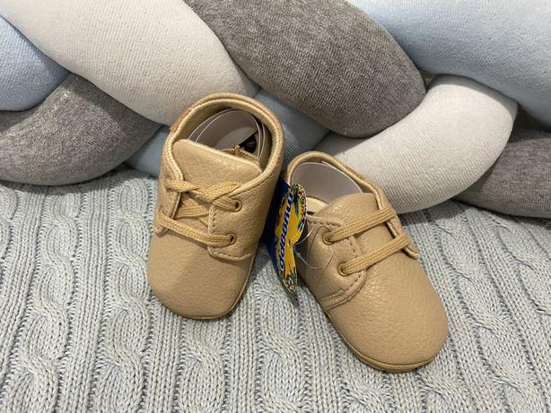 Пинетки. Первая обувь малыша на 6-10 мес