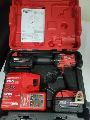 Milwaukee Fuel M18 Impact 1/2 completa com 2 baterias
