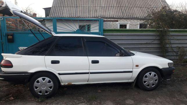 Toyota Corolla машина