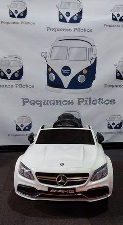 Carro elétrico Mercedes C63 12v para crianças em branco NOVO