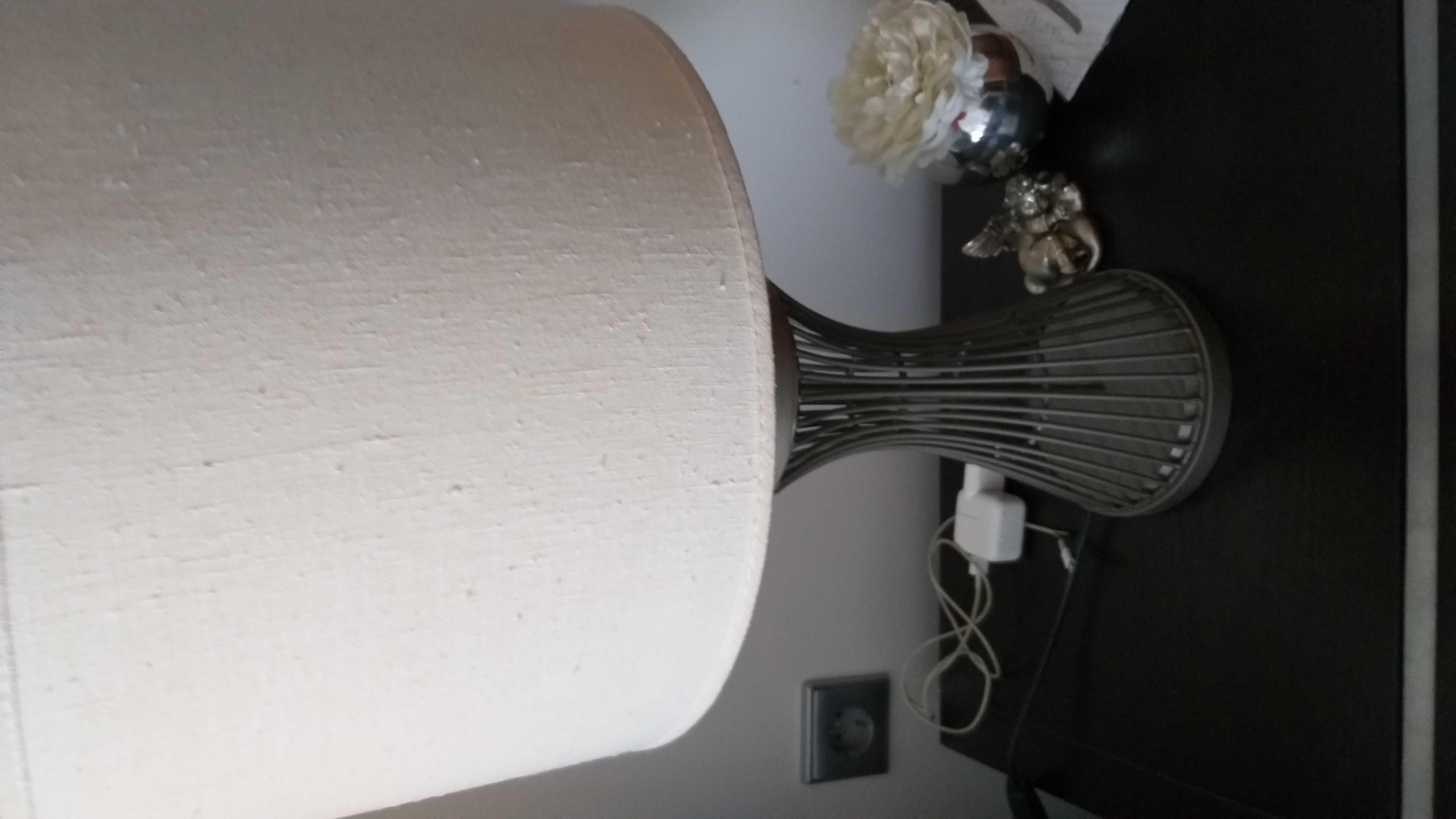 Conjunto de três candeeiros de quarto.