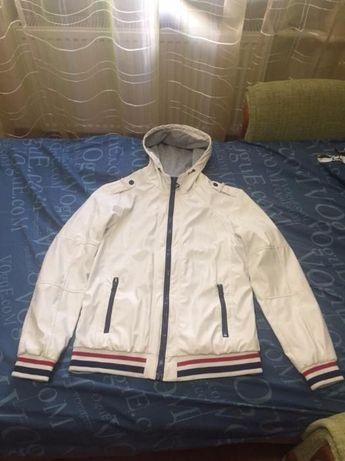 Продам куртку Bershka