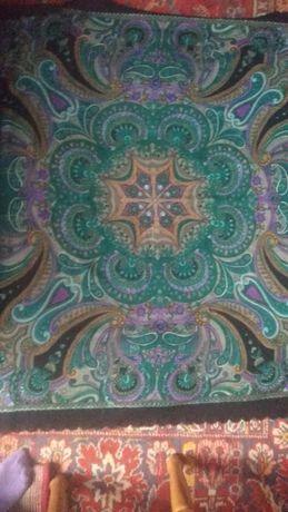 Продам платок 1 на 1 метр